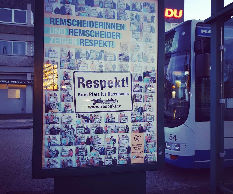 Remscheiderinnen und Remscheider zeigen Respekt. Kein Platz für Rassismus. Macht alle mit. Auch DU! Foto: Sascha von Gerishem